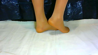 crossdresser pantyhose feet 001