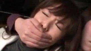 Schoolgirls swooped milf in bus