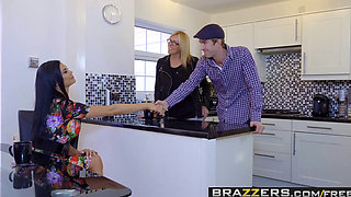 Brazzers   Moms in control   Jasmine Jae Stella Cox Danny D   Bringing Stepsiblings Closer Together