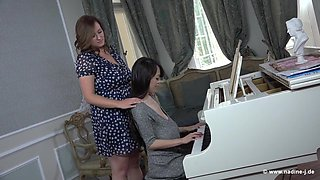 German Steffi and Japanese Hitomi piano lessons - lesbian big tits brunette pale nadine-j