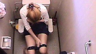 Girl Restroom Masturbation Using Vibrator