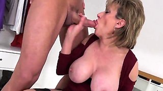Unfaithful british milf lady sonia shows off her massive pup