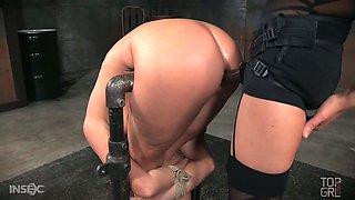 Kinky mistress punishes anal hole of slutty tied up bitch London River