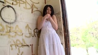 Asian pippin Kitatani Yuri takes her white dress off