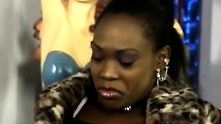 Stunning African babe gets her mouth jizzed in this