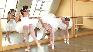 Valerie Fox and Rosaline Rosa hook up for a ballerina for a threesome
