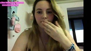 Teen probiert ihre Webcam aus