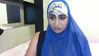 Hijap aunt APOLET
