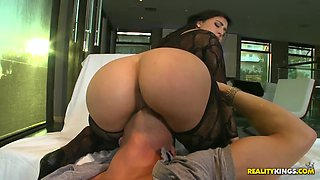 Sexy Valerie Kay gets smacked by hrony Danny Mountain