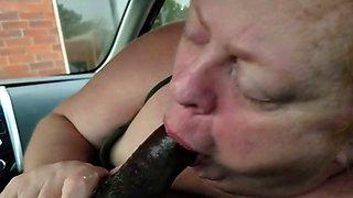 BBW sucks BBC in a car