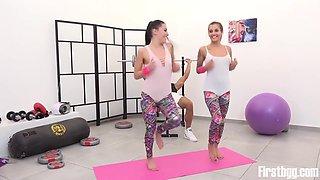 Double Workout For The Dellai Sisters With Eveline Dellai And Silvia Dellai