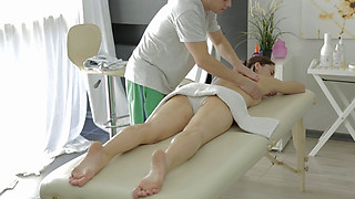 Daria Ma - Anal Massage