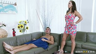 Nasty Latina Liza del Sierra has a mission to seduce and spoil good boys
