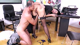 Orgasmically hot secretary Kira Queen gets it on with her boss