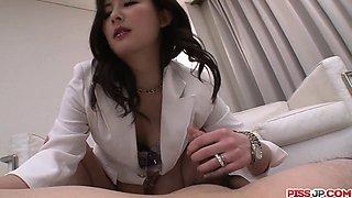 Curvy ass nurse Ayumi Iwasa sensual porn with patient
