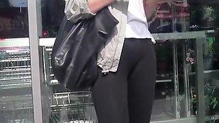 Teen in tight black leggings nice cameltoe