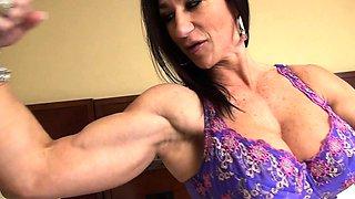 Female Bodybuilder Strips and Masturbates Her Big Clit