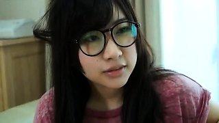Arousing Asian teen Manami Chihiro gives amateur blowjob