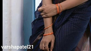 Hindi sex story, Indian bhabi has romance and sex