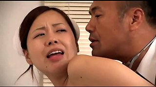 Japanese doctor fucked his nurse in front of patient (full: bit.ly2t1jqkd)