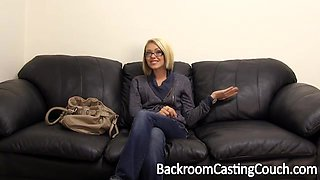 Hot blonde bitch gets her ass pounded on porn casting