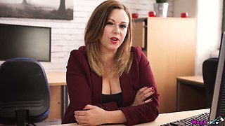 Plump secretary Anna Joy enjoys fucking herself in the office