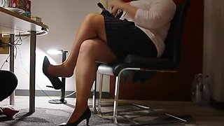 Technician visit the secretary&#039s office with horny surprice2