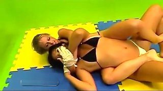 Sexy brazilian women wrestling 1