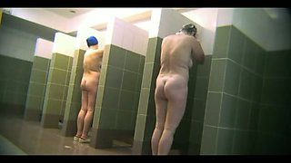 Spy cam video of all naked amateur ladies taking shower in swim pool