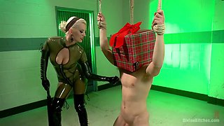 A Male Slave With A Head Strap-on Dildo Satisfies His Hot Domina With Cherry Torn