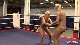 Wrestling in Bikini Gone Completely Wild - Set2