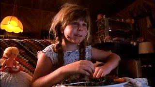 Drew Barrymore,Teri Weigel,Susan Tyrrell in Far From Home (1989)