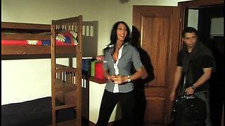 Ritratto Di Famiglia In Un Interno (Valentina Canali & Michelle Ferrari) sc2