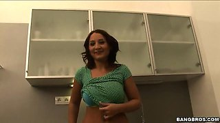 Chantal Fererra's hot blowjob in the kitchen